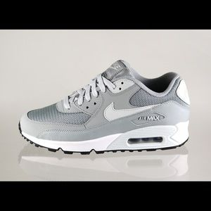 NIKE AIR MAX 90 ESSENTIAL GREY / LIGHT GREY /WHITE